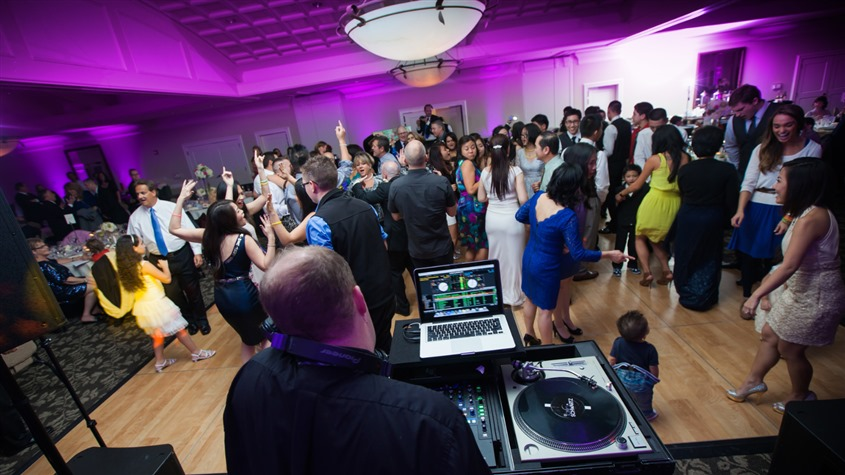 Tony Schwartz: Wedding MC & DJ wedding vendor photo