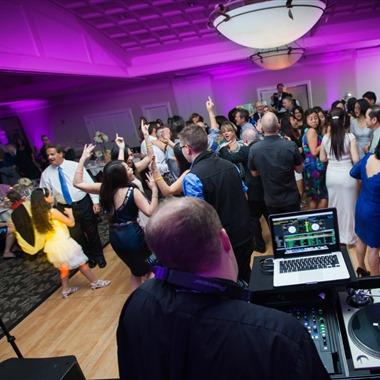 Tony Schwartz: Wedding MC & DJ wedding vendor preview